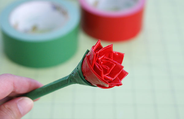 how to make duck tape flowers