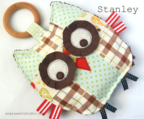 Stanley Crinkle Owl wood teething ring